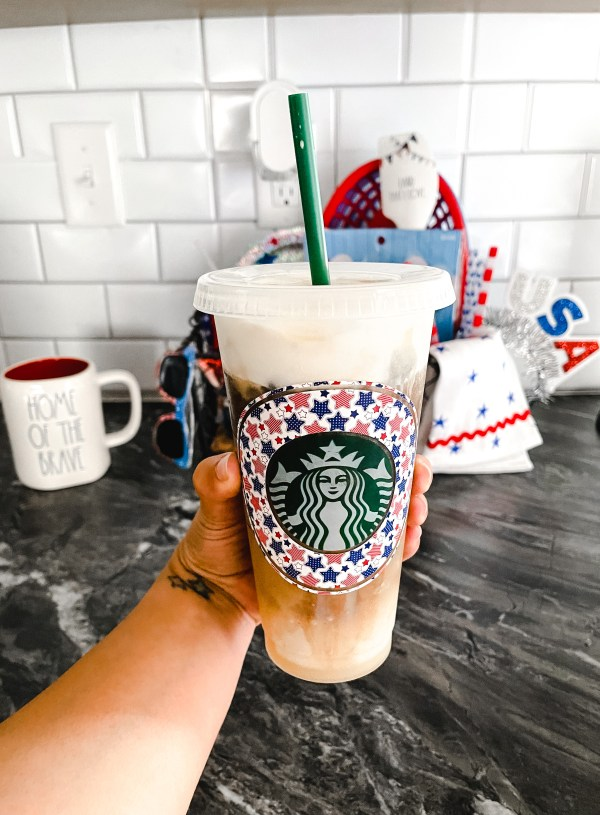 How To: Starbucks Iced White Chocolate At Home