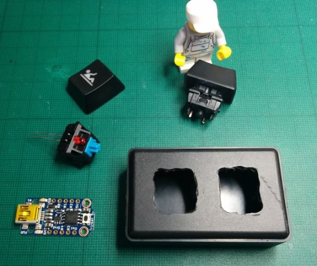 Photo of USB keyboard before assembly
