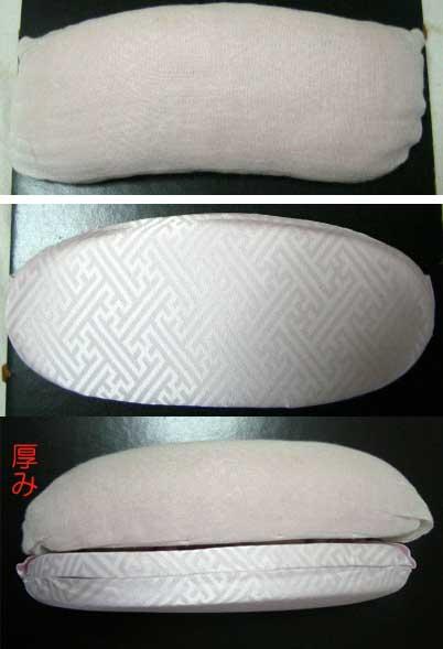 帯枕の厚みや形をくらべる