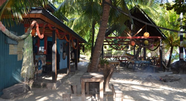 Roland Roots Bar Isla de Providencia