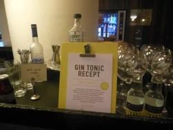 Bonuspunten: zelf gin tonics mixen.