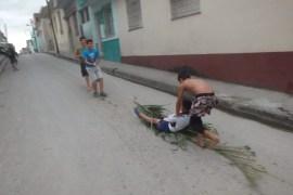 Santa Clara spelende kinderen