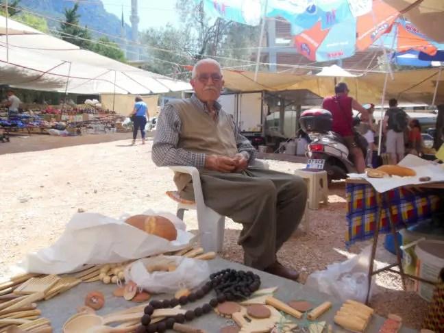 Marktkoopman in Kaş, Turkije