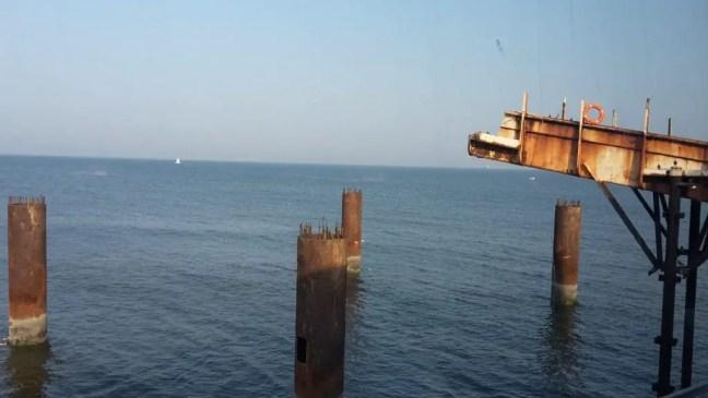 Afbreken stalen eiland Scheveningen