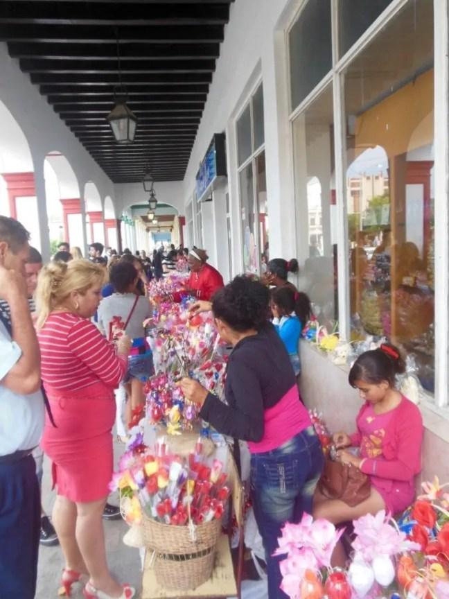 Cadeautjes kopen voor Valentijnsdag in Cuba
