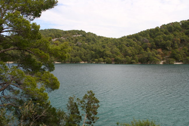 Nationaal Park van Mljet met het grote en het kleine meer.