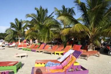 Strandstoeltjes op Secret Beach