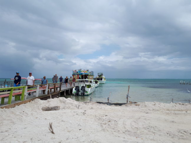 De 'haven' van de San Pedro Belize Express Water Taxi op Caye Caulker.