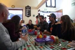 Enge taco's eten met Carlos bij Taqueria El Charrito Surtida