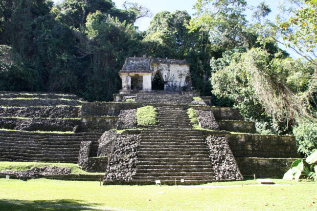 Eén van de tempels bij Parque Nacional Palenque