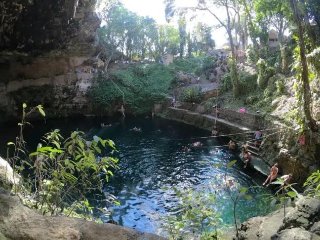 Cenote Zací: heerlijke zwempoel in een grot.