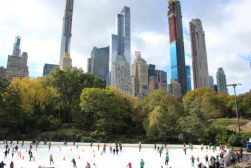 IJsbaan in Central Park, New York.