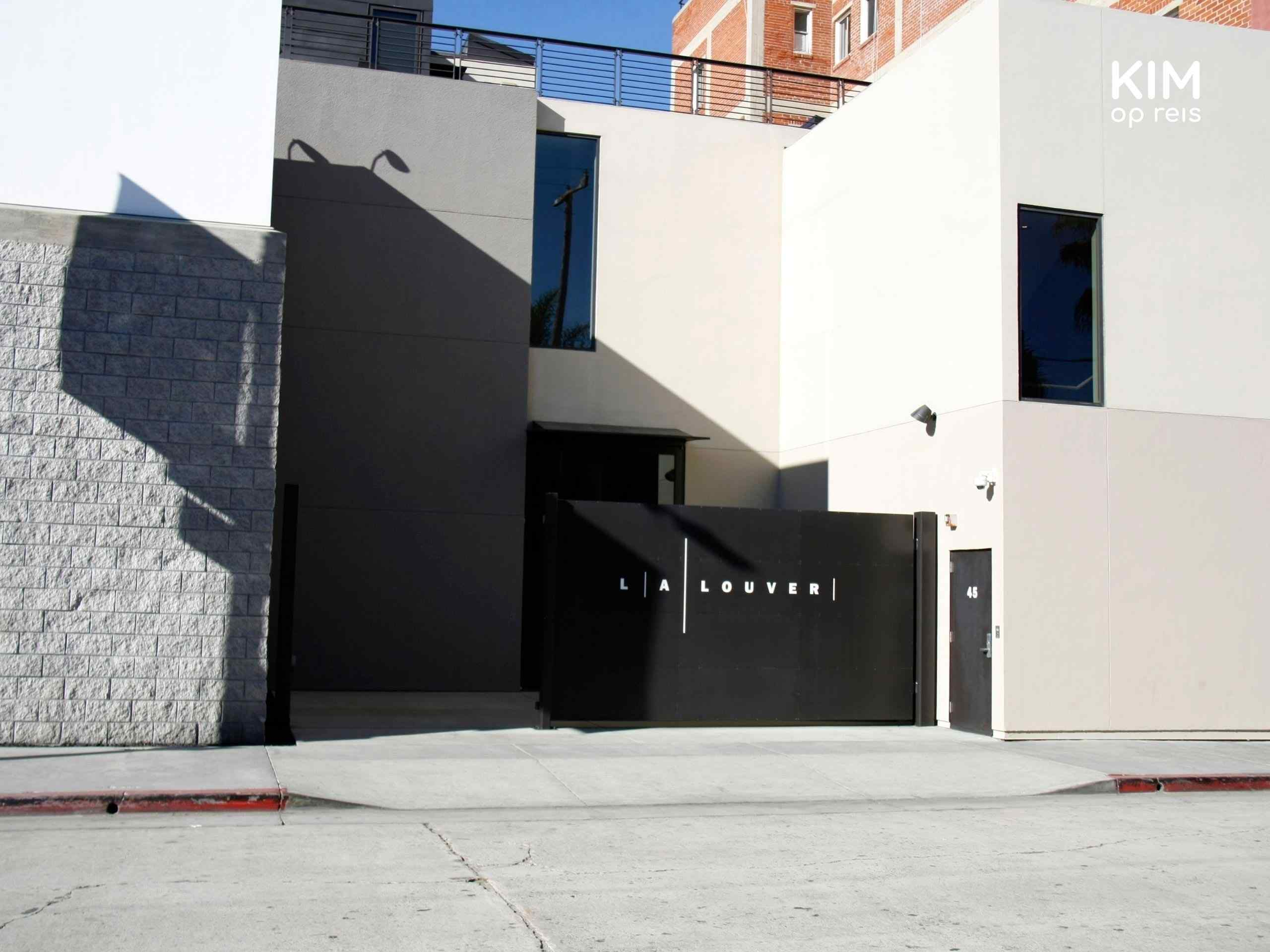 Ingang van L.A. Louver kunstgalerie.