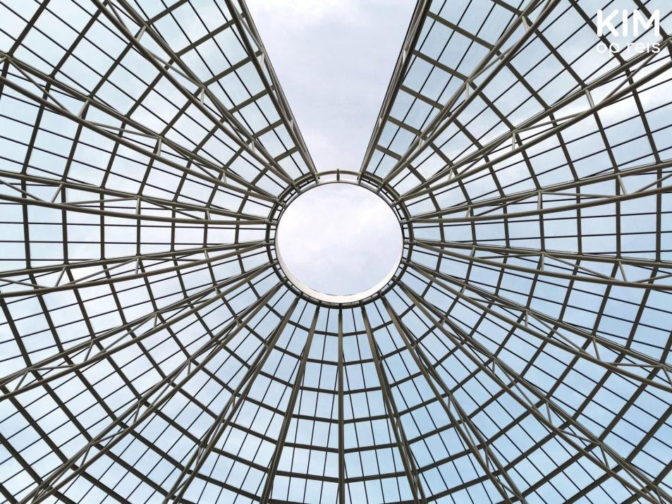 Roof Mart museum - glass roof with diamond pattern
