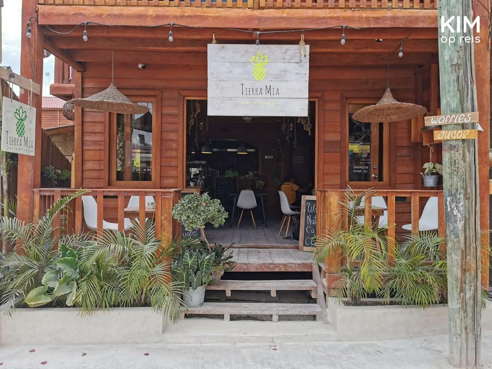 Isla Holbox Tierra Mia voorkant: entree van restaurant Tierra Mia