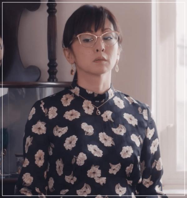 QUEEN[5話]斉藤由貴の衣装やメガネ!ワンピースにニットやブラウスも34