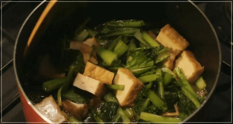 きのう何食べた[1話]レシピ!小松菜と厚揚げの煮浸し・かぶと豚肉の味噌汁