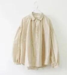 美食探偵明智五郎の苺(小芝風花)[3話]衣装!ピアスやワンピースやバッグ