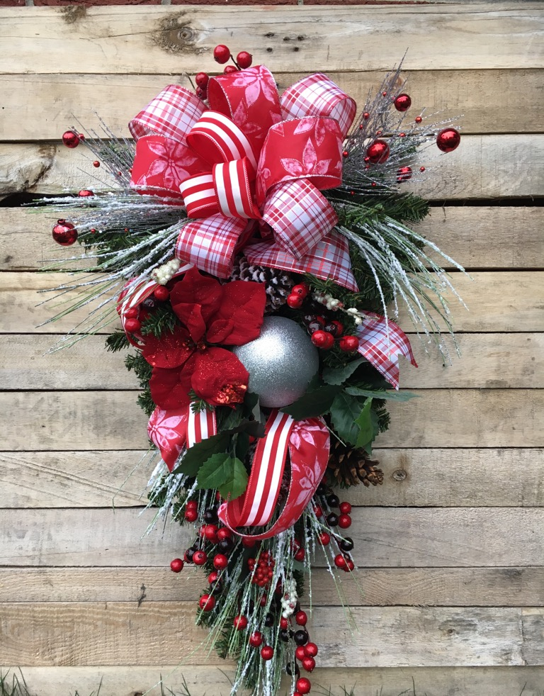 Christmas Decorations Wreaths Swags