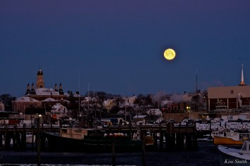 Super Snow Moon 2-19-19 Gloucester copyright Kim Smith - 01