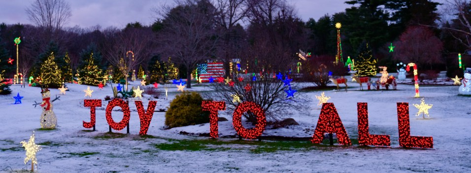 Galicki Magic Christmas Lights Ipswich Essex County copyright Kim Smith - 18 of 38