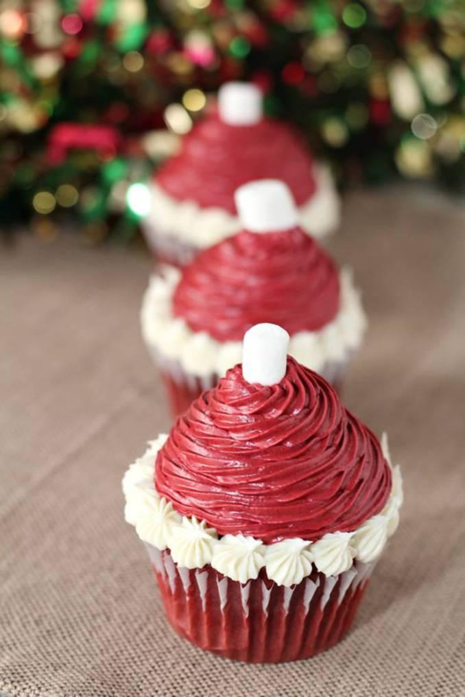 CUTE Christmas Cupcakes! Christmas Santa Hat Cupcake Idea