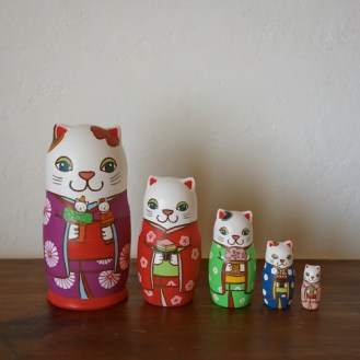 ML5-2 Matryoshka 5sets 雛祭り猫) Matryoshka 5sets Girls Festival cat  Size:16.5cm/Material: wood  ¥18,000+Tax