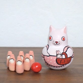 MB-2 うさぎボウリング Rabbit Bowling  Size:7×5×5cm (body) 2.5× 1.2× 1.2cm (bowling pins)/Material: wood, porcelain  ¥5,000+Tax