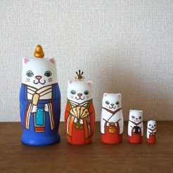 MM5-8 Matryoshka 5sets 猫雛 Cat Hinadoll  Size:11.5cm/Material: wood , metal , stone powder clay  ¥9,500+Tax