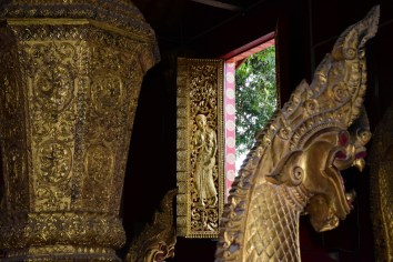 Widow at Wat Xieng Thong
