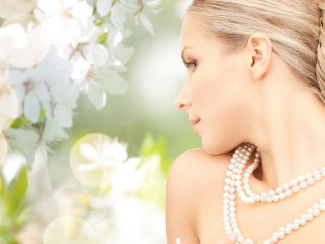 How to Choose a Pearl Necklace for Your Wedding Day