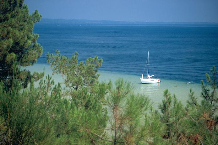 Lac de Biscarrosse dans les Landes.