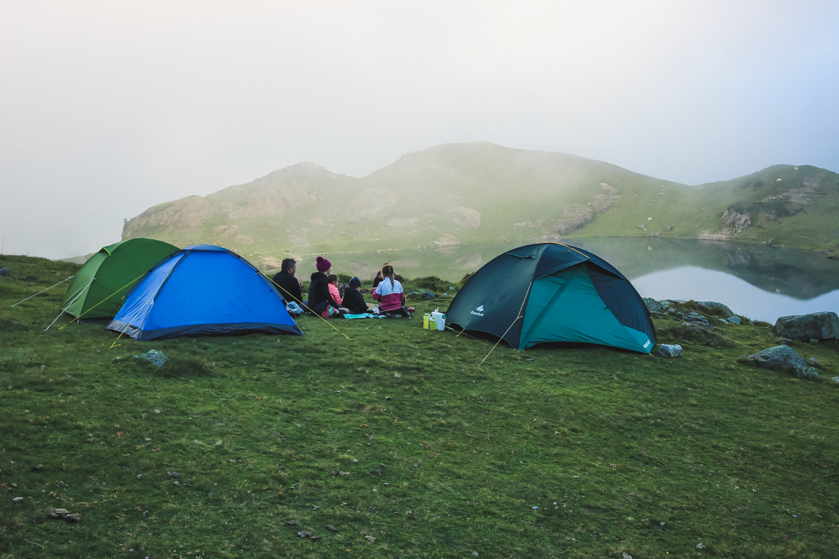 Bivouac lors d'une Randonnée des lacs d'Ayous dans les Pyrénées en Vallée d'Ossau