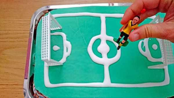 Tipp-Kick Fußballkuchen