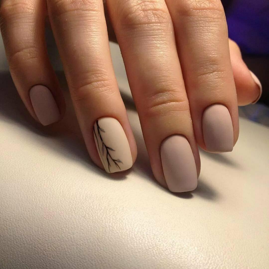 Актуальный нюдовый маникюр 2021: фото новинки трендового дизайна ногтей - 1