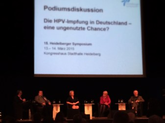 Podiumsdiskussion mit Gerd Scobel (ganz links)