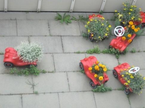 Pflanzkübel zum Wegrollen. Upcycling ist vielseitig. Foto (c) kinderoutdoor.de