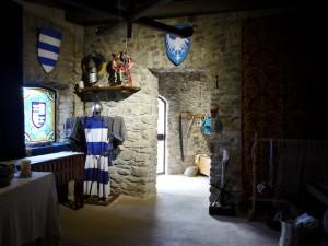 Gemütlich wohnen sieht anders aus, wie hier auf der fortezza delle verrucole im Garfagnana. Um wenigstens ein wenig den Gestand einzudämmen, setzten die Menschen im Mittelalter auf Lavendelsäckchen.  Foto (c) kinderoutdoor.de