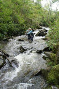 Ein Auflug mit Kindern an den sich die kleinen Outdoorer noch lange erinnern: Der Wasseramselsteig bei Rettenberg am Grünten (Allgäu). Foto (c) kinderoutdoor.de