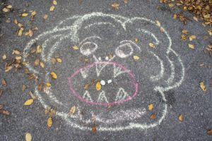 Schnitzeljagd Ideen: Füttert das Weltraummonster oder es futtert Euch! Foto (c) kinderoutdoor.de
