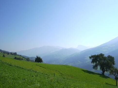 Wandern mit Kindern in Südtirol: Eine wunderbare Landschaft und leckeres Essen. foto (c) Kinderoutdoor.de