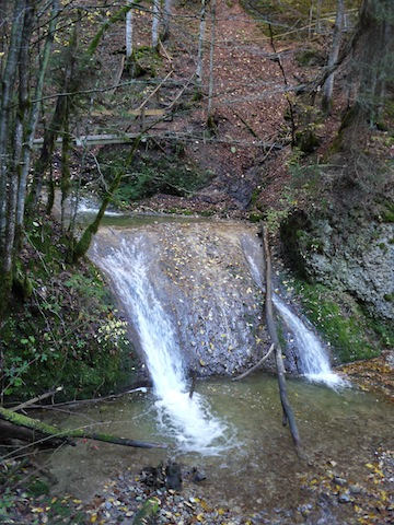 Auf der Familientour zu den Niedersonthofener Wasserfällen musste sich der Lowa Renegade beweisen. foto (c) kinderoutdoor.de