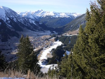 Familienwanderung im Winter mit der Familie: Tirol bietet abseits der Skipisten tolle Wege für Familien. foto (c) kinderoutdoor.de