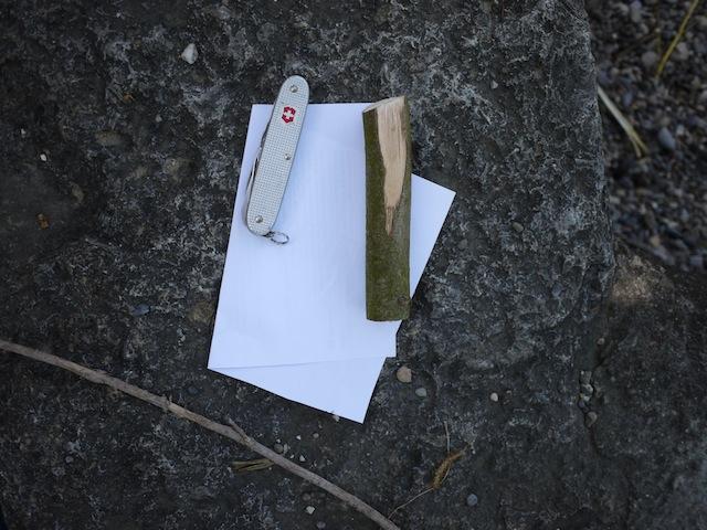 Aus diesem Material schnitzt Ihr die Hansekogge. foto (c) kinderoutdoor.de