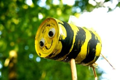 Fertig ist das von Kindern gebastelte Insektenhotel. foto (c) kinderoutdoor.de