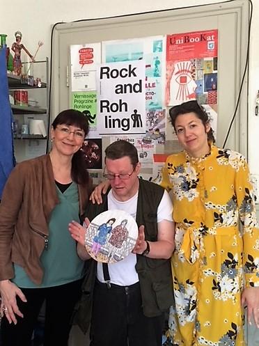 rechts im Bild: Sophie Brunner (Atelier Rohling in Bern), Mitte: Clemens Wild