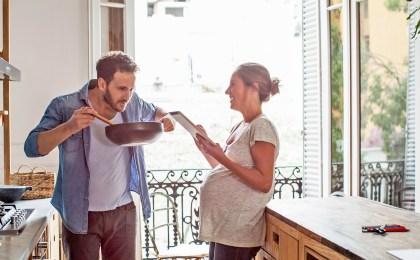 Für eine gute Jodversorgung sollte im Haushalt jodiertes Speisesalz verwendet werden. Schwangere brauchen aber in der Regel ergänzend Jodtabletten um Jodmangel vorzubeugen