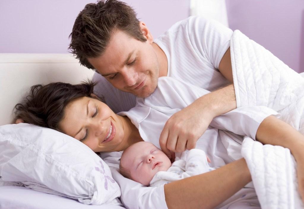 Jede zweite Frau würde eine künstliche Befruchtung in Erwägung ziehen, wenn der Kinderwunsch auf natürlichem Weg nicht in Erfüllung geht.