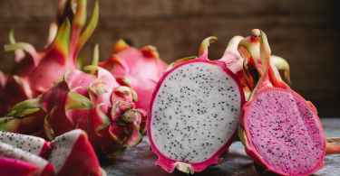 Dragon fruit, benefits, nutrition, and how to eat it.
