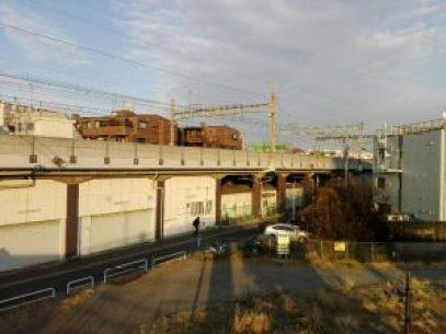 八幡山駅は高架